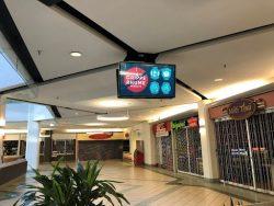 Affichage dynamique dans la Place du Centre pour rappeler les mesures sanitaires à appliquer